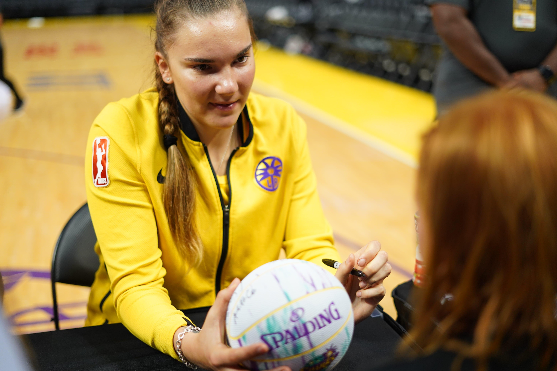 Maria Vadeeva Learns English to Grow Basketball in Russia